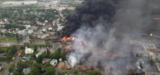 Lac_megantic_burning_oil_train_derailment_quebec_canada_railworld